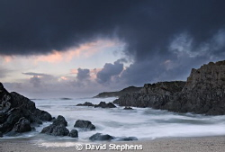 Barricane beach, near Woolacombe, Devon on a stormy day i... by David Stephens 
